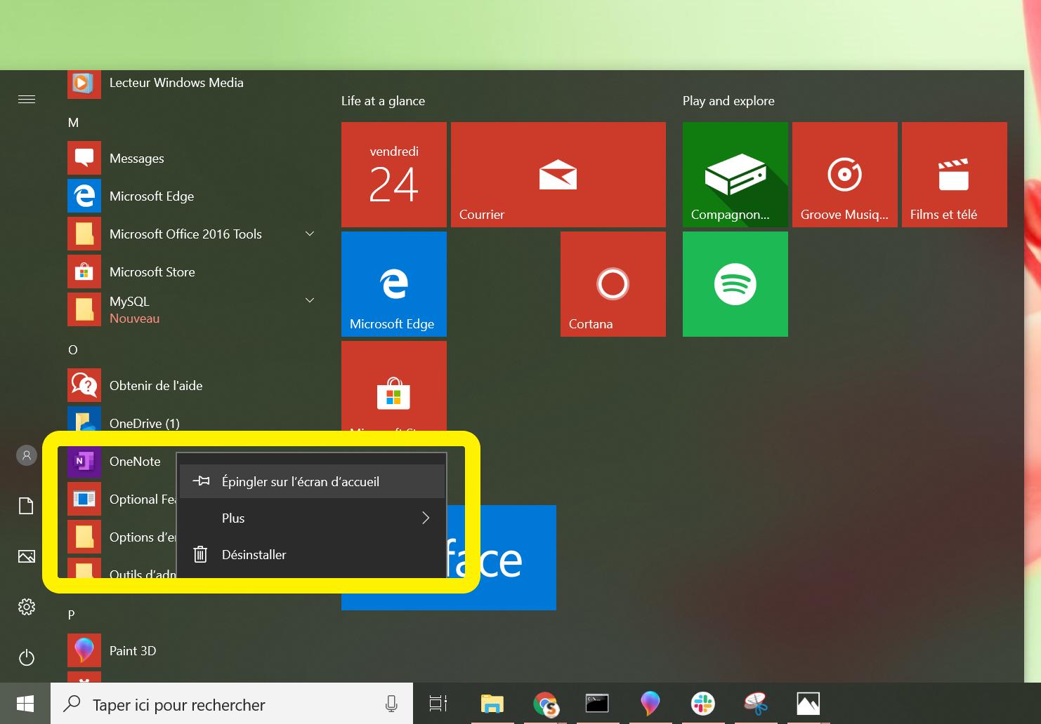 Le menu Démarrer est ouvert. Un menu déroulant est ouvert sur l'application OneNote. L'option 'Épingler sur l'écran d'accueil' est mise en surbrillance.