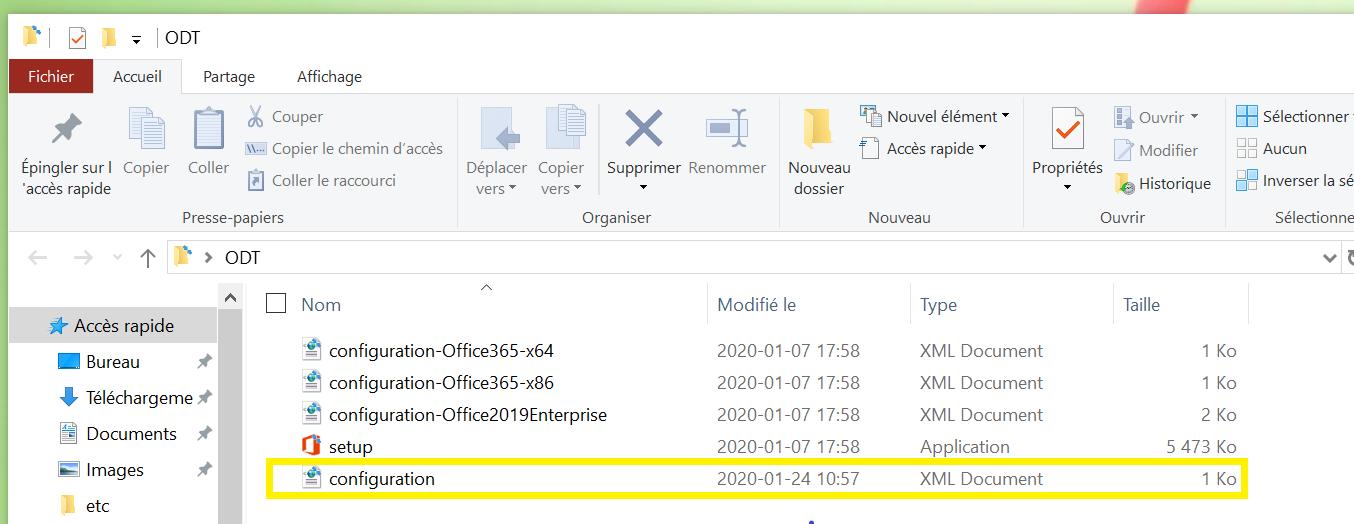 Le dossier ODT est ouvert pour afficher le contenu; le fichier configuration.xml est mis en surbrillance pour montrer qu'il a été récemment ajouté.